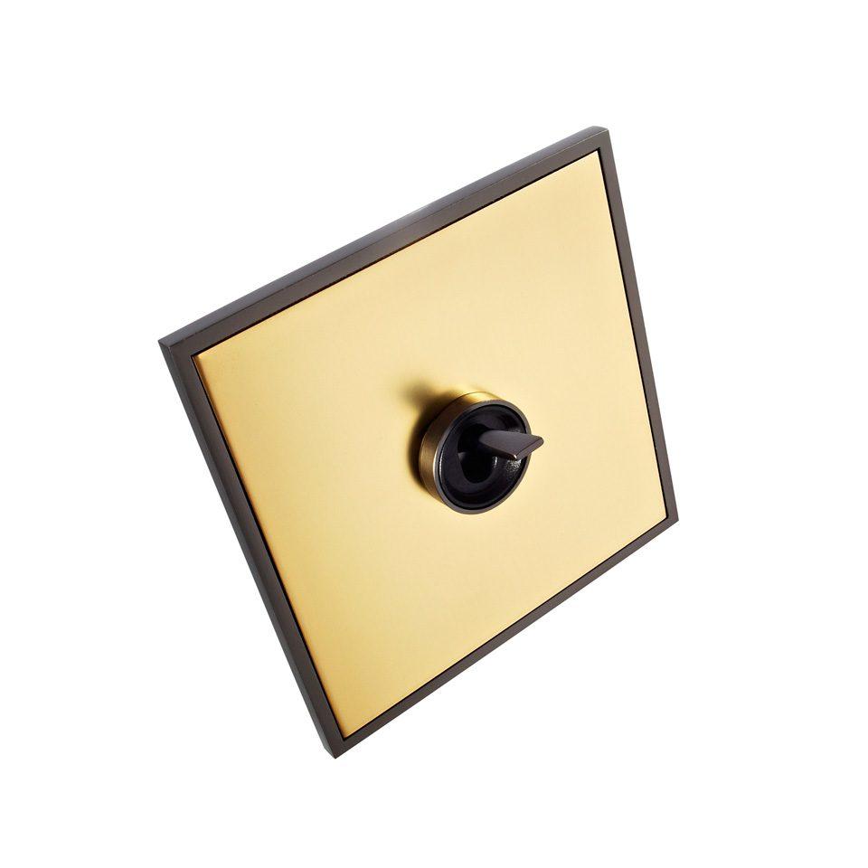 FONT BARCELONA 5.1 Collection - rámeček antická bronz, kryt zlatá, páčka a kroužek antická bronz