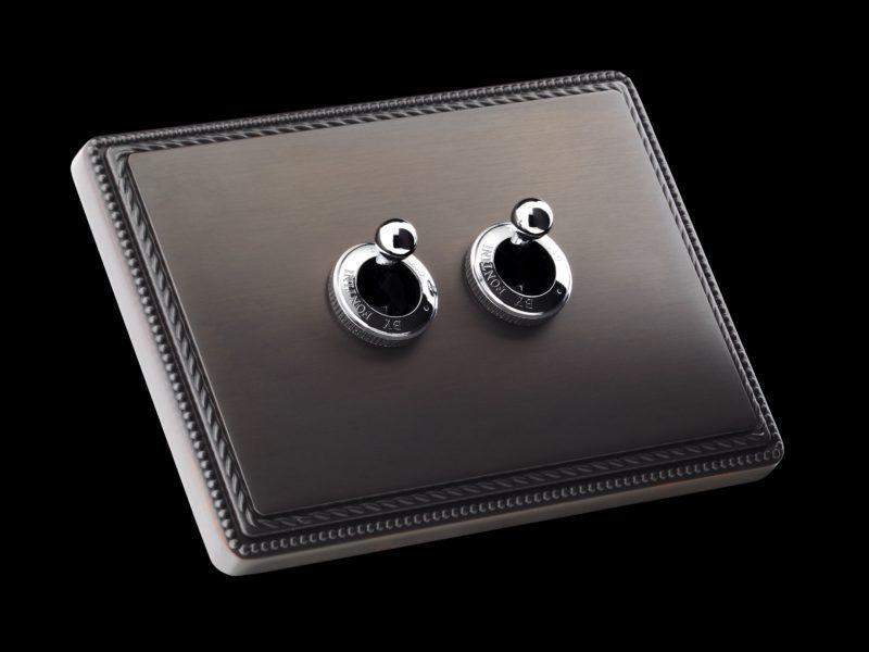 FONT BARCELONA 1950 Collection - rámeček antracit, dvě páčky chrom